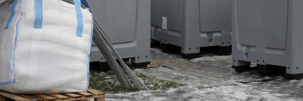 Opslag boxen voor units van 10 meter waterkering