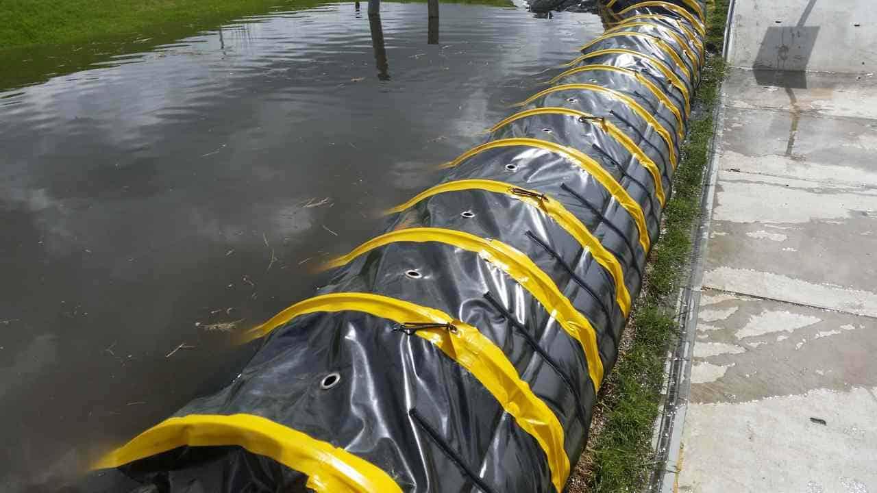 Hoe wateroverlast te stoppen met een tijdelijke waterkering
